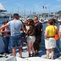 L'équipe du FROM Nord expliquant le fonctionnement du navire au grand public