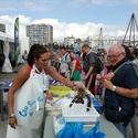 les femmes de marins pêcheurs et vendeuses ont organisé des ventes flash à plusieurs endroits
